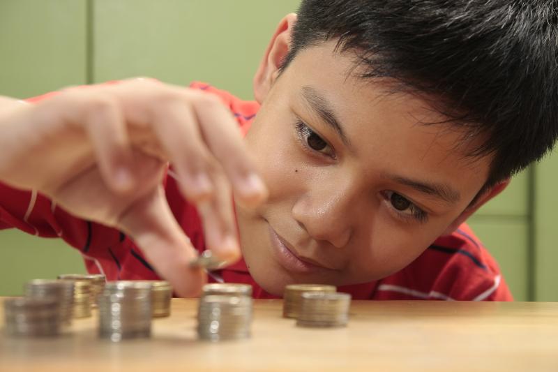 Aurelia Weems' Guiding Principles For Teaching Kids About Money
